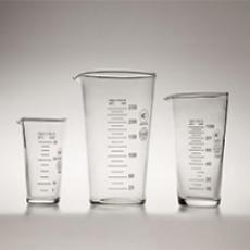 Мерные стаканы и мензурки