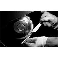 Производство столовых приборов: от дизайна до завершающей полировки.