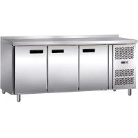 Стол холодильный 3-х дверный с бортом Stalgast 841036 в интернет магазине профессиональной посуды и оборудования Accord Group